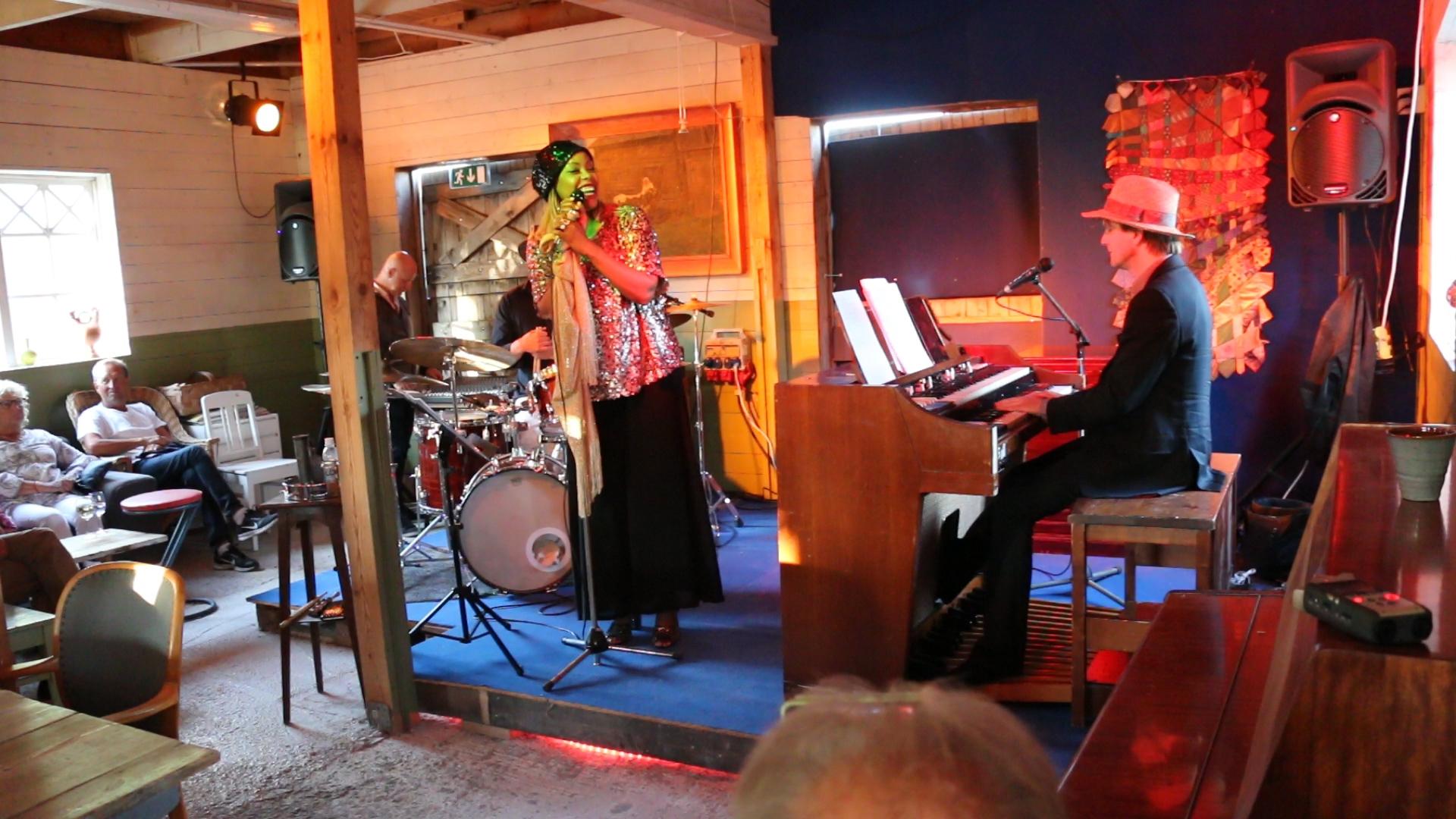 Kiralina Trio, Etelhems krukmakeri