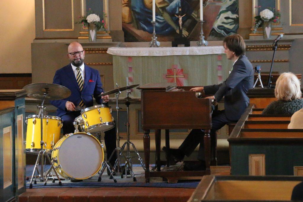 Ferlin i ord och musik i jazzton i Blidö kyrka